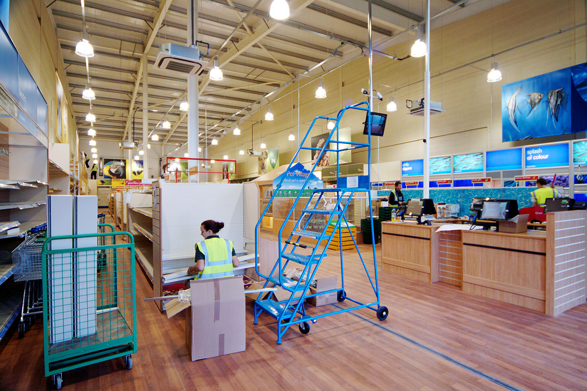 Retail shopfitting services
